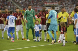 A. C. Milan - Universitatea Craiova 2 - 0
