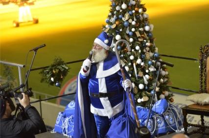 Moș Crăciun în alb-albastru
