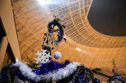 Moș Crăciun în Alb-Albastru la Centrul de Copii și Juniori.