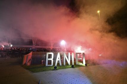 Specatacolul suporterilor pe esplanadă după victoria de la Botoșani.
