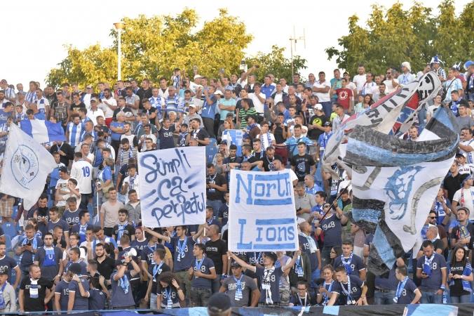 SONDAJ | Suntem alături de cei mai fierbinți dintre români! Cum îți cumperi biletul la meci?