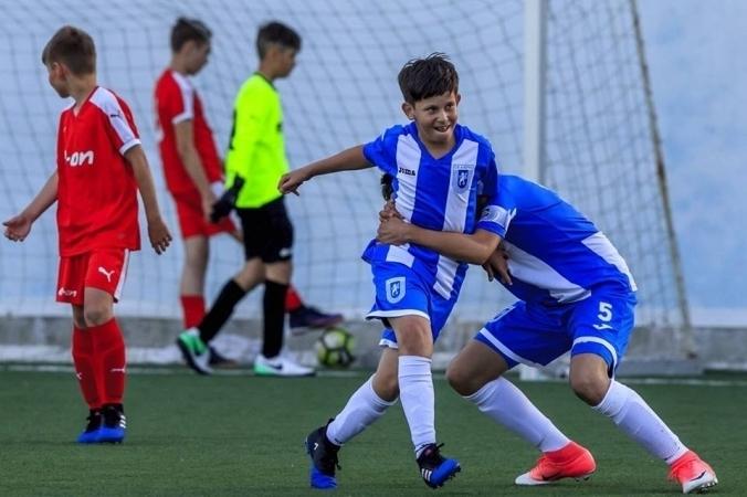 Festival de goluri în primele jocuri de pregătire ale juniorilor