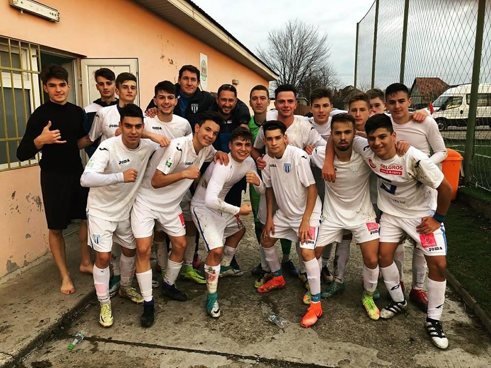 Spectacol total la juniori: suntem pe primul loc în Liga Elitelor U-17 și în Campionatul Național U-19!
