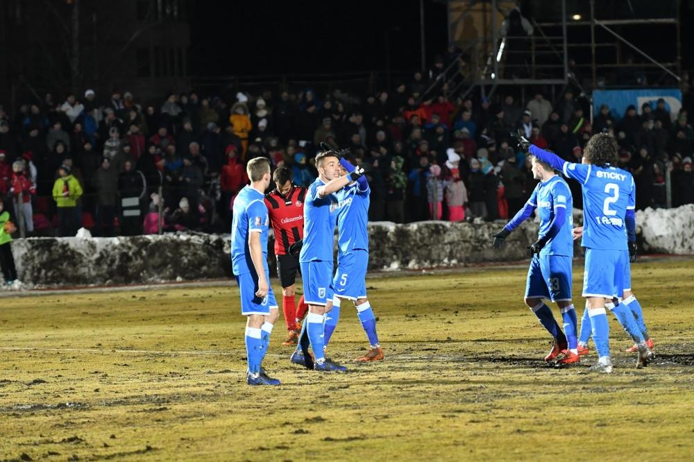 3 goluri pentru a 3-a calificare la rând în semifinale