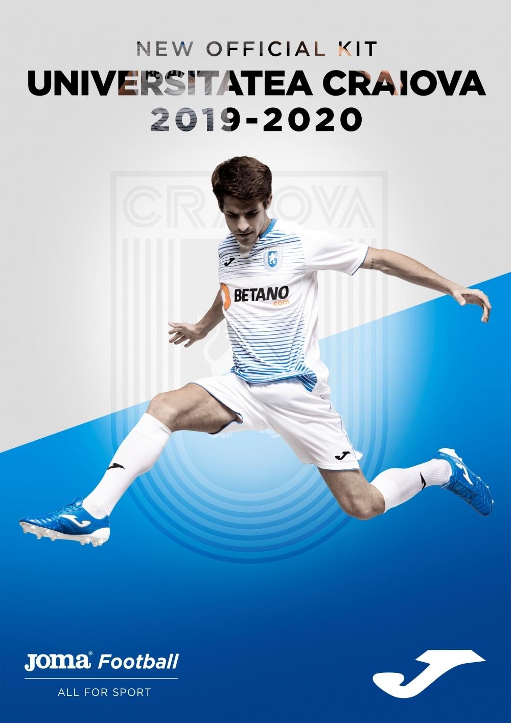 Pregătește-te de noul sezon cu dress-code în alb și albastru