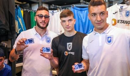 Mateiu, Mirko și Mihăilă, primii abonați!