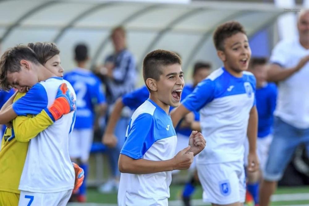 """Știința participă la Festivalul de Fotbal  """"100"""" UNIȚI PENTRU FOTBAL"""