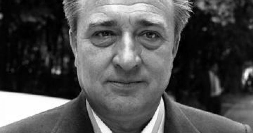 Omagiu adus lui Valentin Stănescu